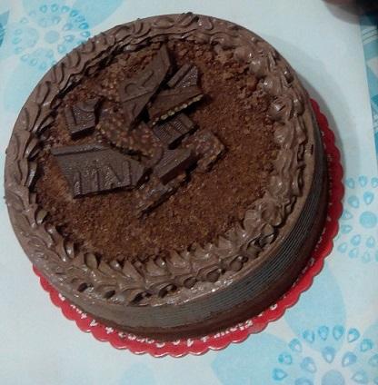 4-Nestle Crunch cake from cake2go